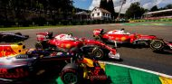 Vettel y Verstappen no dejaron margen de maniobra a Räikkönen - LaF1
