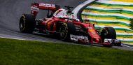 Vettel durante una carrera esta temporada - SoyMotor