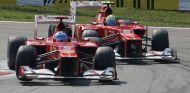 Alonso y Massa a los mandos de sus F2012, con sus característicos morros escalonados