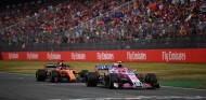 Fernando Alonso y Esteban Ocon en el GP de Alemania 2018 - SoyMotor