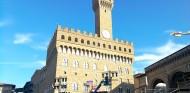 Fiesta Ferrari en Florencia: desfile y video mapping en el Palazzo Vecchio - SoyMotor.com