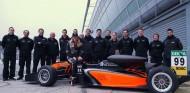 Flörsch vuelve a rodar tras su accidente en Macao y completa 500 kilómetros – SoyMotor.com