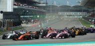 Salida del GP de Malasia F1 2017 - SoyMotor.com