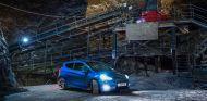 El Ford Fiesta ST descubre las mayores minas de sal de Europa - SoyMotor