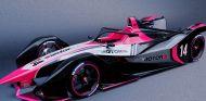 Monoplaza de Fórmula E con los colores de SoyMotor.com