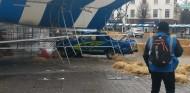 El presentador se salió de la pista y se precipitó contra una carpa, sin consecuencias - SoyMotor.com