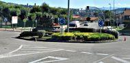 Rotonda en una población de Cantabria - SoyMotor
