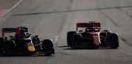 Ferrari recorta distancia con Red Bull en el Mundial de Paradas en Bakú - SoyMotor.com