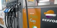 Barcelona veta las gasolineras y prima las electrolineras - SoyMotor.com