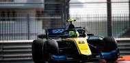 Ghiotto reclama la última victoria de Fórmula 2 en Abu Dabi - SoyMotor.com