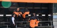 Gil de Ferran en el muro de McLaren - SoyMotor