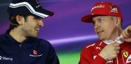 Giovinazzi y Räikkönen, en la rueda de prensa del GP de China 2017 - SoyMotor.com