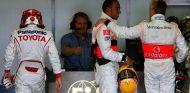 Timo Glock, Lewis Hamilton y Heikki Kovalainen en Albert Park en 2008 - SoyMotor.com