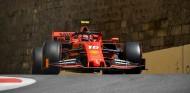 Charles Leclerc en los Libres 3 del GP de Azerbaiyán F1 2019 - SoyMotor