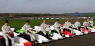 Emerson Fittipaldi, Andrea de Cesaris, Derek Warwick, Nigel Mansell, Christian Danner, Patrick Tambay, Riccardo Patrese y Stefan Johansson en Silverstone - SoyMotor.com
