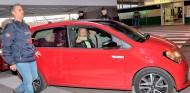 Greta Thunberg, en el asiento trasero del Seat Mii Electric - SoyMotor.com