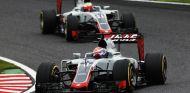 Grosjean y Gutiérrez durante el GP de Japón  - SoyMotor