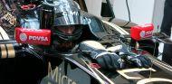 Romain Grosjean subido en el E23 durante los test de Jerez - LaF1