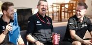 """Haas justifica la renovación de sus pilotos: """"Echarles la culpa no es justo"""" - SoyMotor.com"""