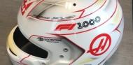 Grosjean estrena casco especial para el GP número 1000 – SoyMotor.com