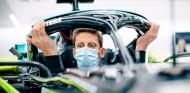 """Grosjean: """"Cada media hora me tengo que poner crema en la mano, no está recuperada"""" - SoyMotor.com"""