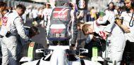 Romain Grosjean en la parrilla de Bakú - LaF1