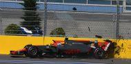 Choque de Grosjean contra el muro tras su incidente con Palmer - SoyMotor