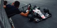 Hadjar defiende la Pole con victoria en la primera carrera de Mónaco - SoyMotor.com