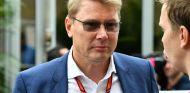 Mika Häkkinen durante un Gran Premio en 2017 - SoyMotor.com