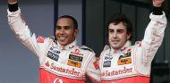 Lewis Hamilton y Fernando Alonso en 2007 - LaF1
