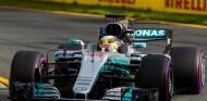 """Hamilton compara con los test: """"Ha sido como el día y la noche"""" - SoyMotor"""