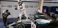 Lewis Hamilton tras su victoria en Baréin - LaF1