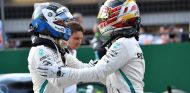 Bottas y Hamilton en el GP de Azerbaiyán - SoyMotor
