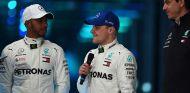 Lewis Hamilton, Valtteri Bottas y Toto Wolff en Silverstone - SoyMotor.com