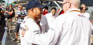 Lewis Hamilton y Ross Brawn en Silverstone - SoyMotor.com