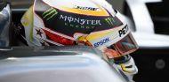 Hamilton revelará mañana el diseño ganador de su casco - SoyMotor