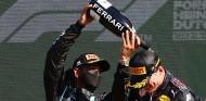"""Hamilton, dispuesto a """"tomar una cerveza"""" con Verstappen - SoyMotor.com"""