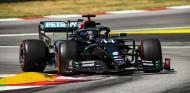 Hamilton, Pole por 59 milésimas en el GP de España; Sainz 7º - SoyMotor.com