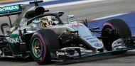 """Hamilton: """"Nos dirigimos hacia un cockpit cerrado"""" - SoyMotor.com"""