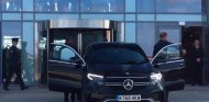 Hamilton, chófer de lujo del príncipe Harry en un Mercedes EQC - SoyMotor.com