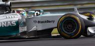 Lauda respalda la decisión de Hamilton de no dejarse adelantar