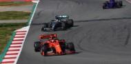 Ferrari comenzó a desarrollar el SF90 un mes antes que Mercedes, según Hamilton - SoyMotor.com