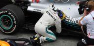 Lewis Hamilton y su W09 en Interlagos - SoyMotor.com