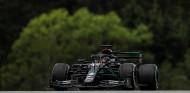 Mercedes y la 'nueva normalidad': doblete en los Libres 1 de Austria; Sainz 4º