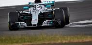 Lewis Hamilton en un test en Silverstone con Mercedes - SoyMotor.com