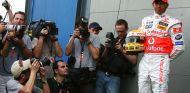 Imagen de archivo de Hamilton en la llegada del paddock en Australia 2007 - SoyMotor