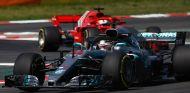 Lewis Hamilton y Sebastian Vettel en el Circuit de Barcelona-Catalunya - SoyMotor