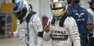 Lewis Hamilton, feliz tras hacerse con la Pole de Australia - LaF1