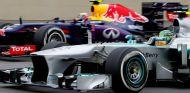Lauda revela sus conversaciones con Hamilton para atraerle a Mercedes