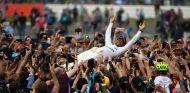 """Hamilton, eufórico: """"Un fin de semana perfecto para el equipo"""" - SoyMotor.com"""